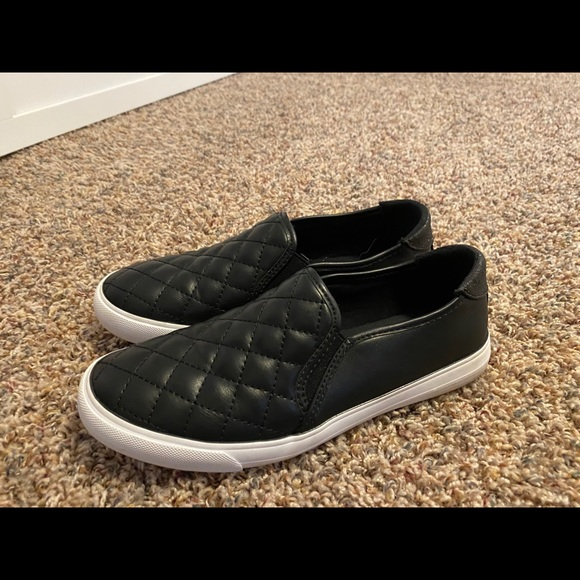 guess womens slip on sneakers